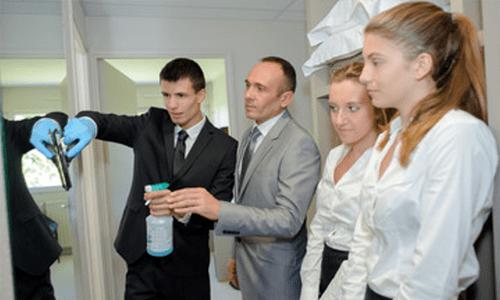 gebaeudereinigung-team-schulung-reinigung-firma Gebäudereinigung
